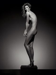 Стройное тело Жизель Бюндхен в журнале Vogue фото #2
