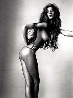 Голая попка Жизель Бюндхен в журнале V фото #1