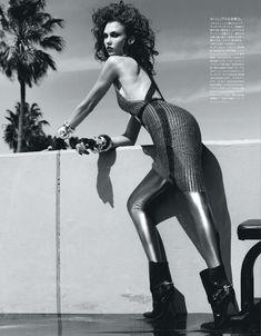 Сексуальная Карли Клосс в журнале Vogue фото #3