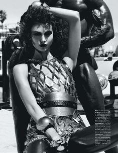 Сексуальная Карли Клосс в журнале Vogue фото #4