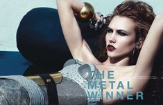 Сексуальная Карли Клосс в журнале Vogue фото #5