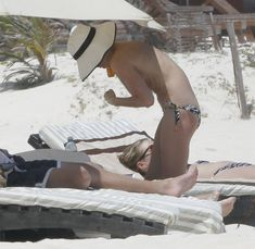 Кейт Босуорт топлесс на пляже в Мексике фото #19