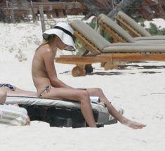 Кейт Босуорт топлесс на пляже в Мексике фото #20