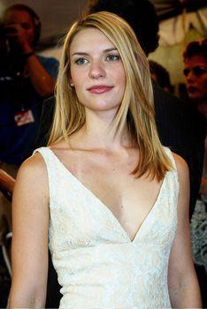 Случайный засвет Клэр Дэйнс на кинофестивале в Торонто фото #3