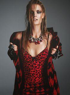 Констанс Яблонски обнажила грудь для журнала Numero фото #3