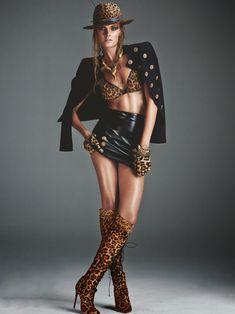 Констанс Яблонски обнажила грудь для журнала Numero фото #4