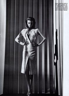 Обнаженная красавица Эбби Ли Кершоу в журнале Vogue фото #2