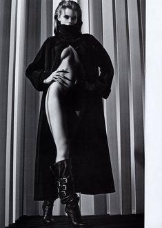 Обнаженная красавица Эбби Ли Кершоу в журнале Vogue фото #4