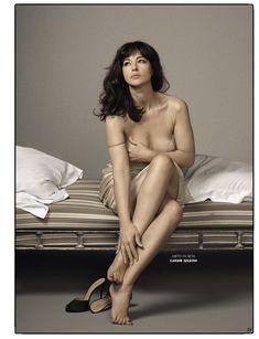 Соблазнительный бюст Моники Беллуччи  в журнале GQ фото #2