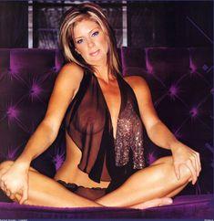 Голая грудь Рэйчел Хантер в эротических нарядах для журнала Loaded фото #3