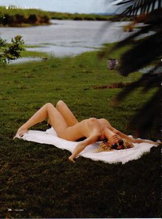 Красивая Рэйчел Хантер снялась голой в журнале Playboy фото #4