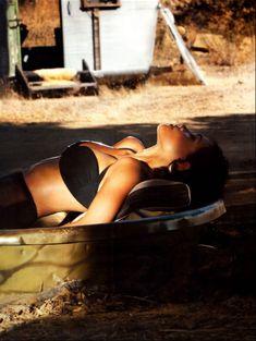 Секси Розарио Доусон  в журнале Oh! Yeah! фото #5