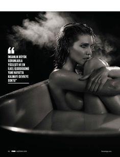 Горячая Триша Хелфер  в журнале FHM фото #5
