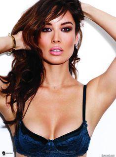 Секси Беренис Марло  в журнале Maxim фото #8
