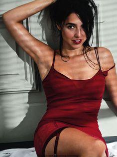 Сексуальная Кристина Брондо на фото в журнале FHM фото #1