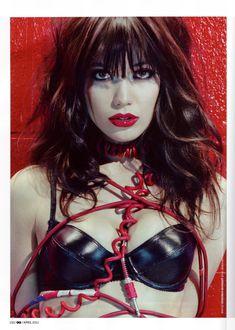Дэйзи Лоу обнажилась в журнале GQ фото #2