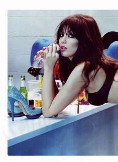 Дэйзи Лоу обнажилась в журнале GQ фото #3