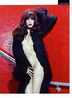 Дэйзи Лоу обнажилась в журнале GQ фото #5