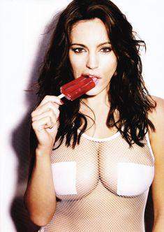 Келли Брук в эротической фотосессии для Esquire June 2011 (6-2011) UK фото #2