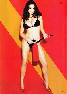 Келли Брук в эротической фотосессии для Esquire June 2011 (6-2011) UK фото #5