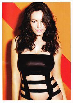 Келли Брук в эротической фотосессии для Esquire June 2011 (6-2011) UK фото #6