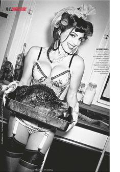 Келли Брук снялась обнаженной в журнале Max фото #7