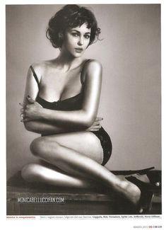 Эротичная Моника Беллуччи  в журнале GQ фото #2