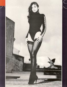 Возбуждающая Моника Беллуччи  в журнале Playboy фото #1