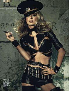 Сексуальная Наташа Яровенко в эротическом образе для журнала DT фото #3