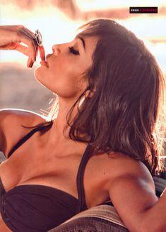 Горячая Розарио Доусон  в журнале FHM фото #3