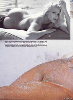Голые сиськи Анны Николь Смит  в журнале Playboy фото #9