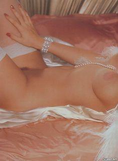 Голые сиськи Анны Николь Смит  в журнале Playboy фото #13