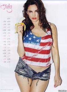 Горячая Келли Брук для календаря фото #8