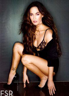 Секси Меган Фокс  в журнале Esquire фото #2