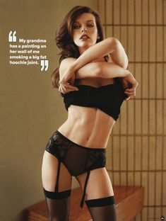 Секси Милла Йовович для журнала Maxim фото #3