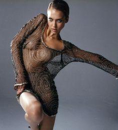 Джессика Альба без лифчика в фотосессии Марка Лидделла фото #3