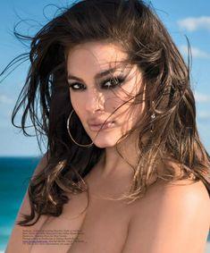 Пышногрудая Эшли Грэм в эротической фотосессии для журнала Maxim фото #9