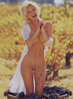 Игривая Бранд Родерик красиво обнажилась в журнале Playboy фото #6