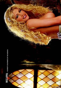 Игривая Бранд Родерик красиво обнажилась в журнале Playboy фото #8