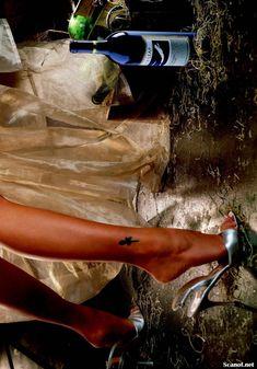 Игривая Бранд Родерик красиво обнажилась в журнале Playboy фото #10