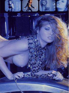 Молодое голое тело Кармен Электры в журнале Playboy фото #6