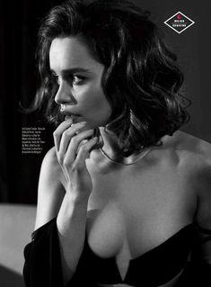 Эротичная Эмилия Кларк  в журнале Esquire фото #3