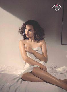 Эротичная Эмилия Кларк  в журнале Esquire фото #4