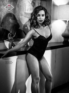 Эротичная Эмилия Кларк  в журнале Esquire фото #5