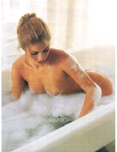 Сексуальная Граци Массафера полностью обнажилась в журнале Playboy фото #4