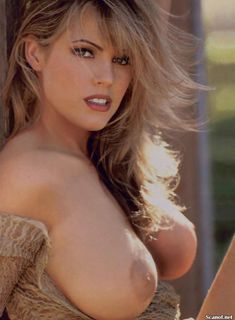 Абсолютно голая Сандра Тейлор в журнале Playboy фото #2