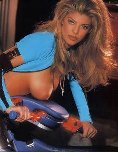 Грудастая Шаэ Маркс позирует обнажённой в журнале Playboy фото #3