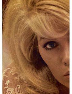 Красивая Стелла Стивенс снялась голой в журнале Playboy фото #1
