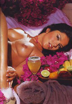 Санни Леоне показала свою дырочку в журнале Hustler Girls фото #5