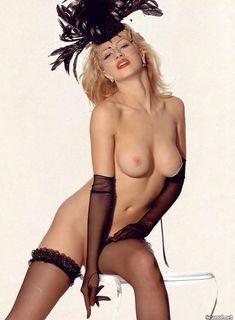 Абсолютно голая Эмбер Смит в журнале Playboy фото #8